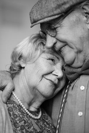 emergency-ac-repair-columbia-sc-happy-couple